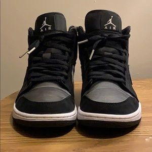 These are AJ Jordan ones in good condition